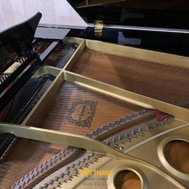 khung kim loai dan piano yamaha c3e
