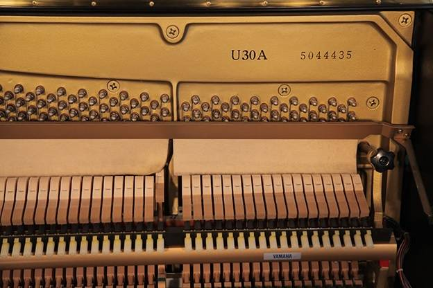 chot pin len day dan piano yamaha u30a
