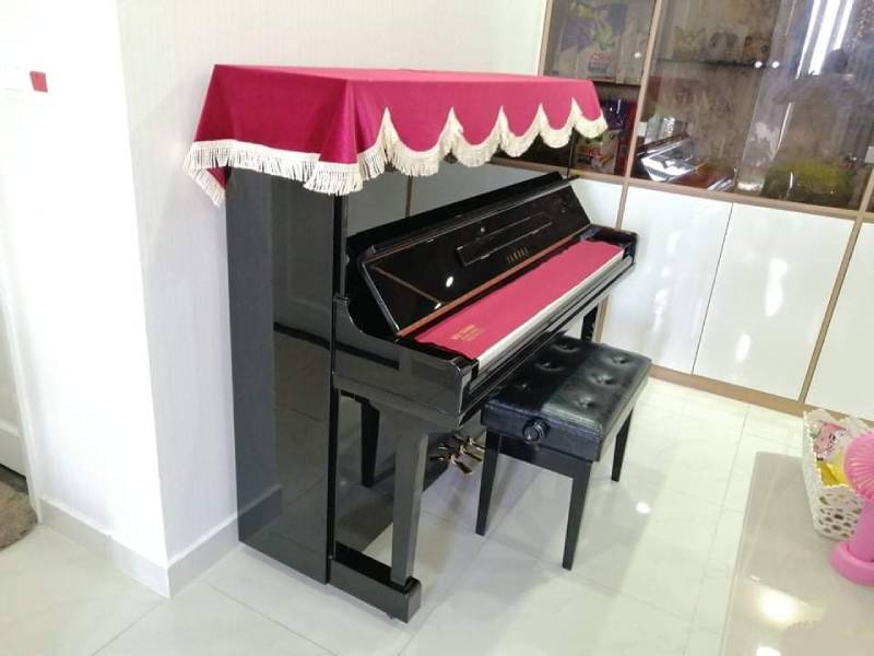 dan piano cu yamaha u30bl cu