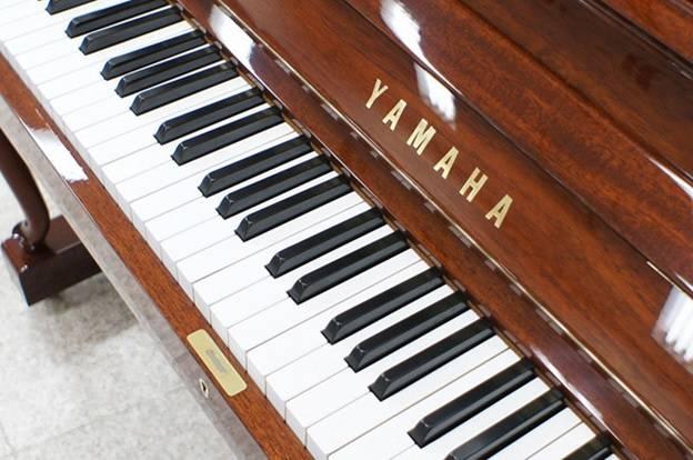 ban phim dan piano yamaha w106
