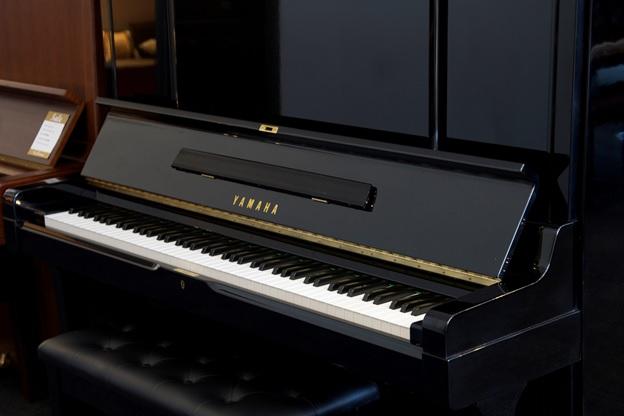 ban phim piano co yamaha ux3