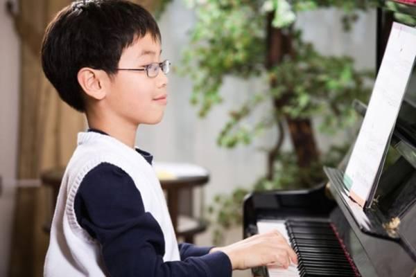 Mua đàn piano cho bé ở đâu?