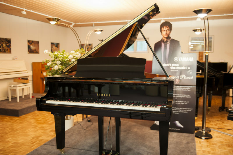 grand piano yamaha c2x