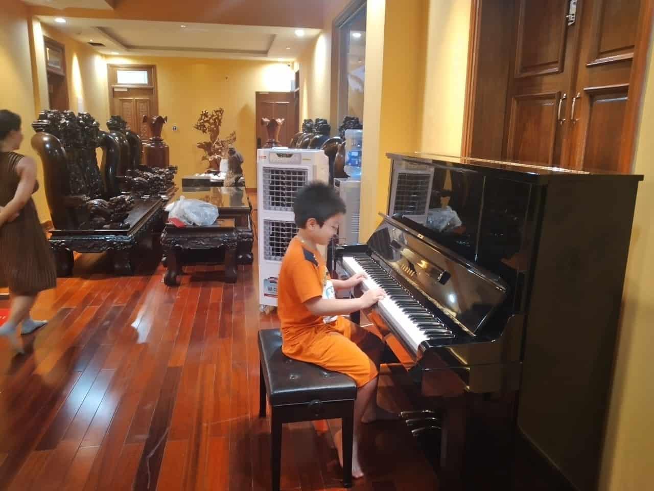 piano co yamaha ux3