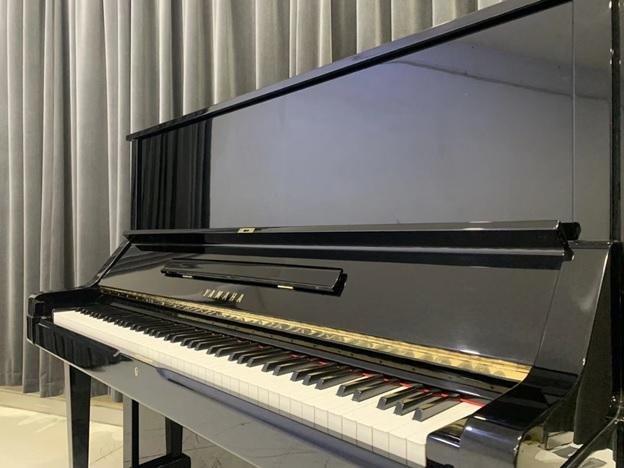 thiet ke ben ngoai dan piano yamaha ux