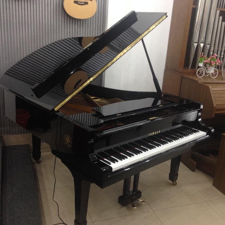 grand-piano-yamaha-g5e