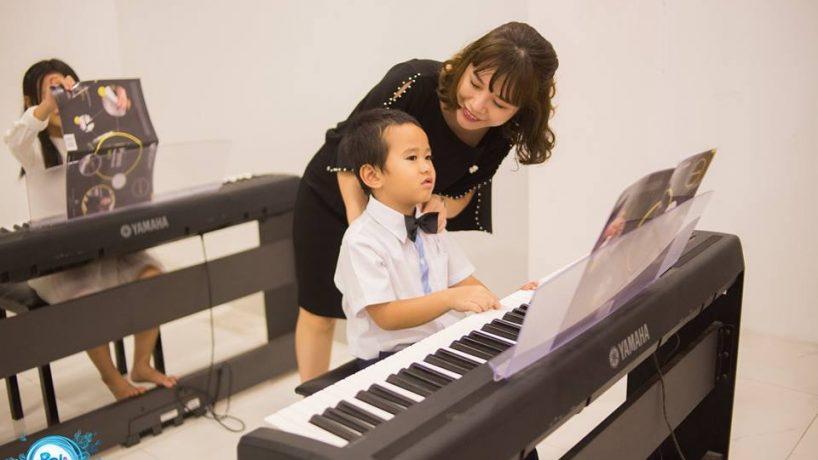 loi ich cua viec cho tre hoc dan piano