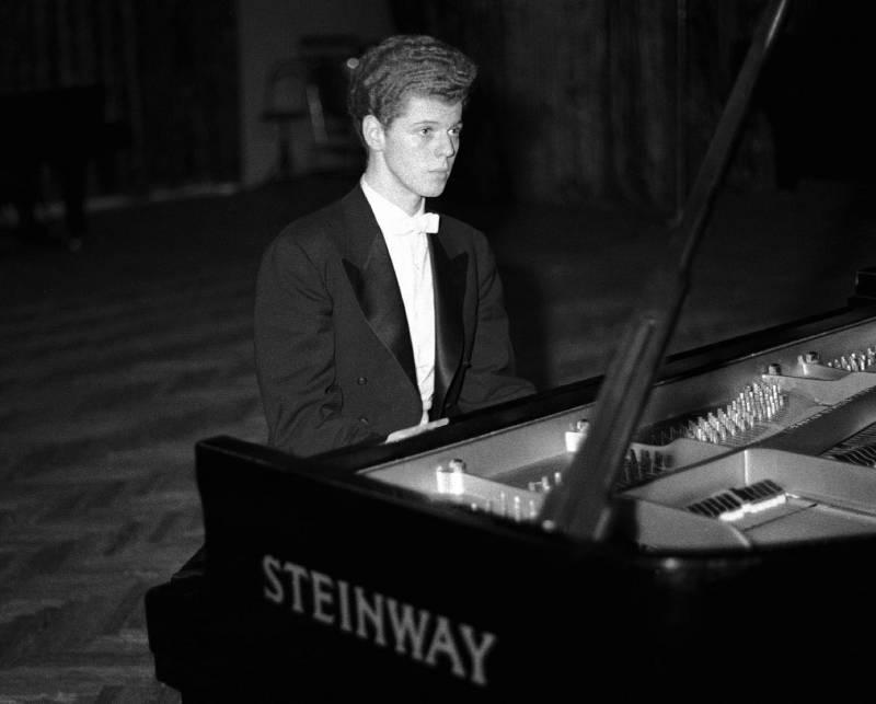 piano_steinway