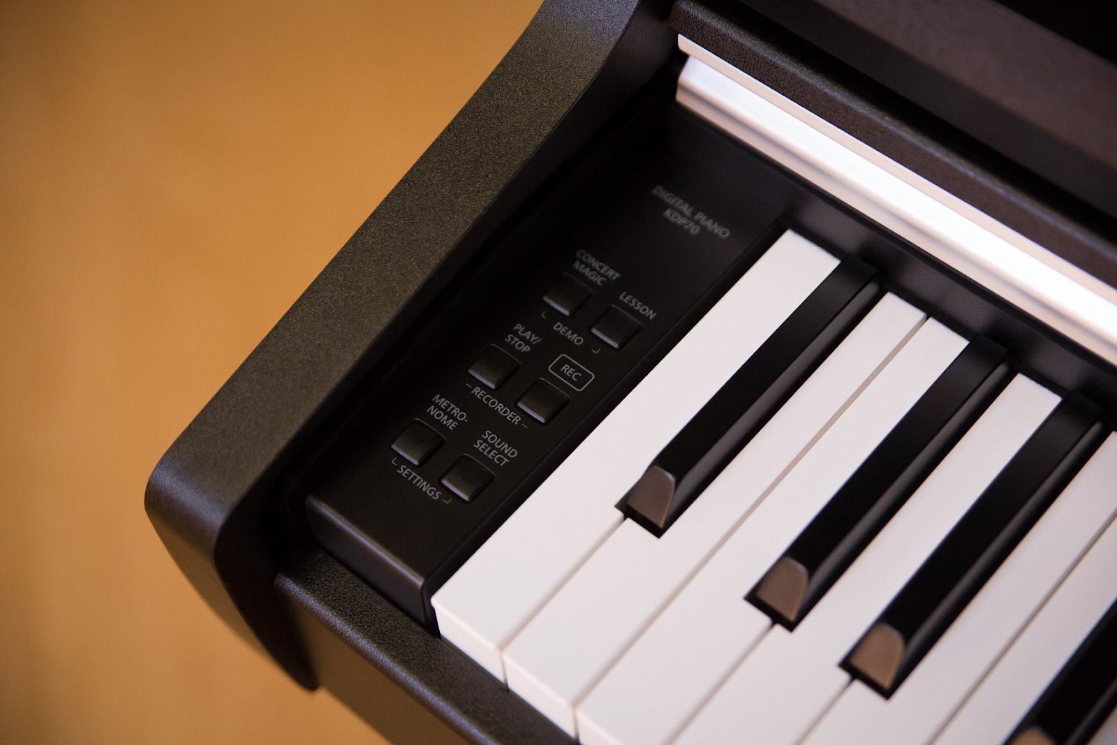 piano dien kdp70