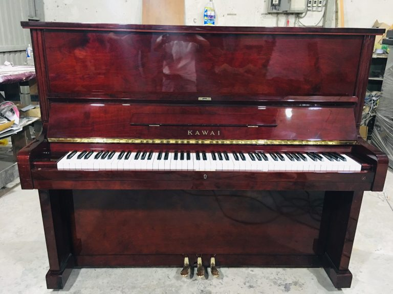 piano kawai bl51 mau do