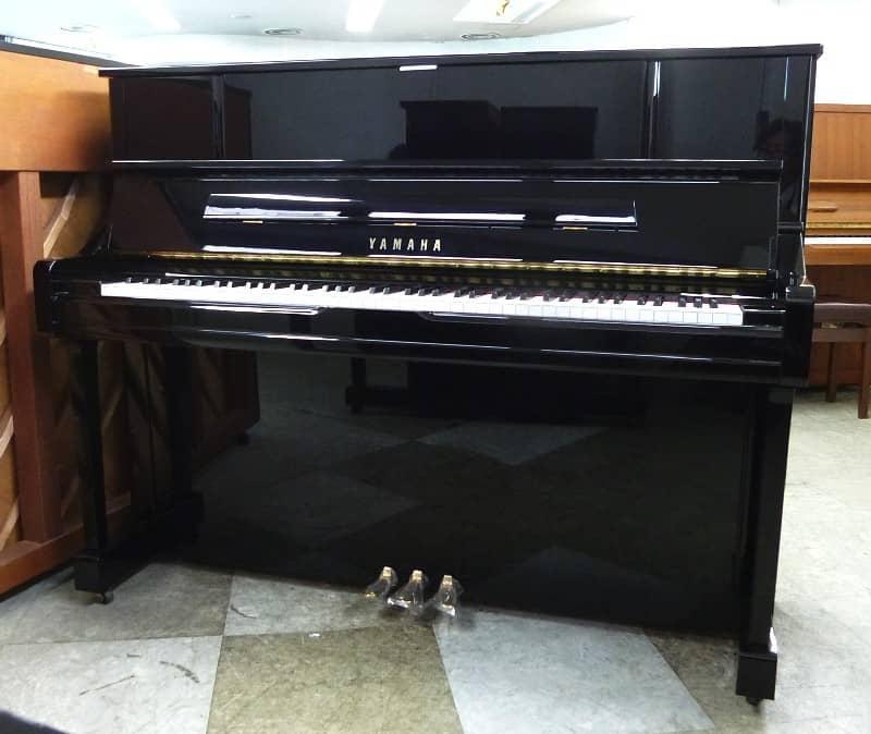 Đàn piano Yamaha YU10