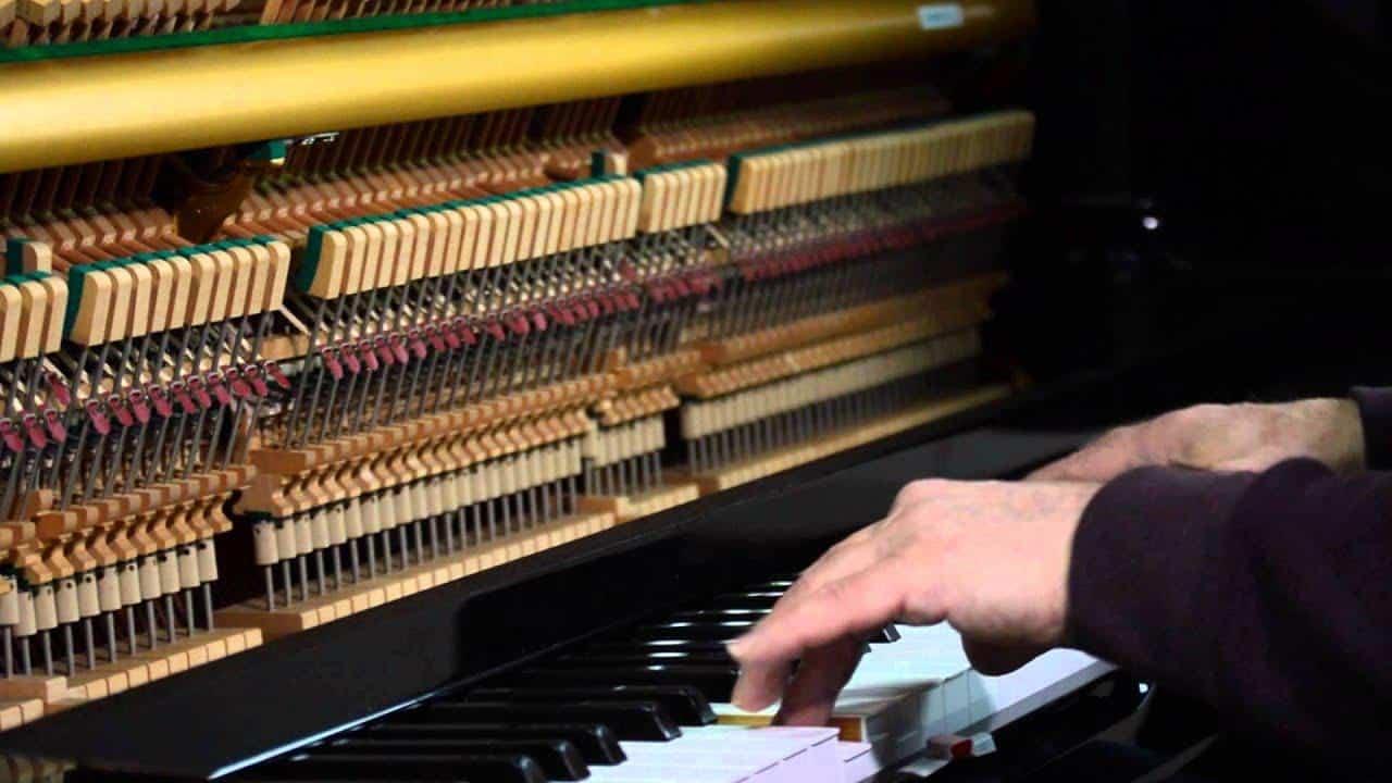 Bàn phím đàn piano cơ