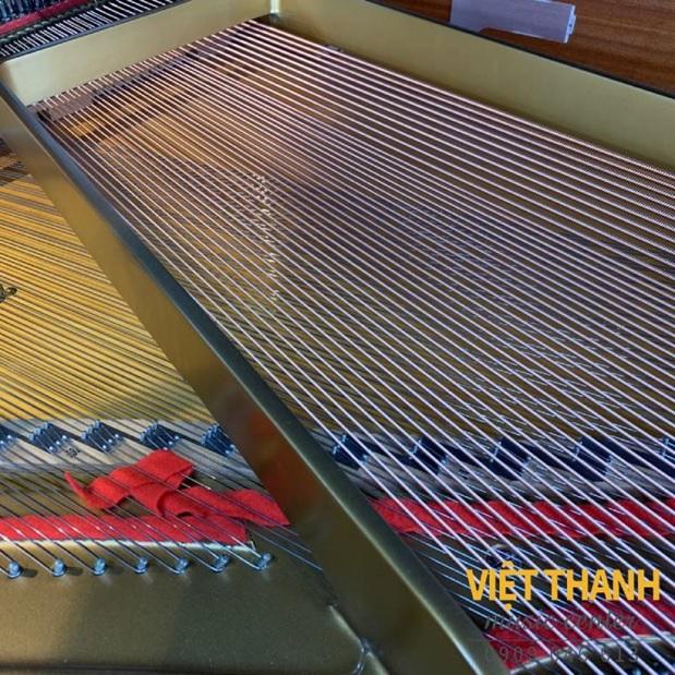day dan piano yamaha c5e