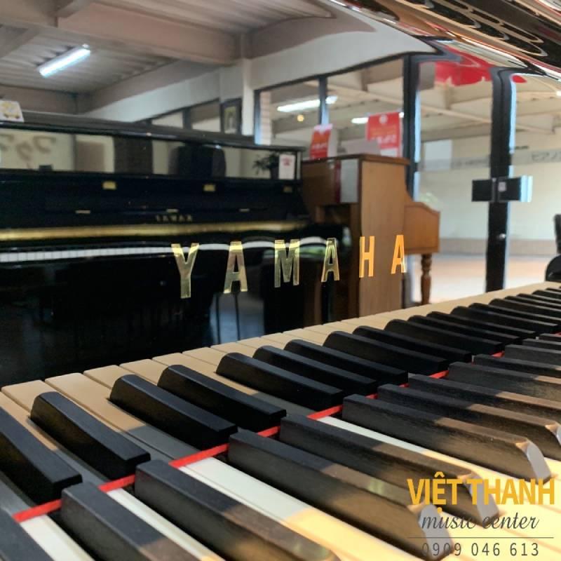 Đàn piano Yamaha C3E
